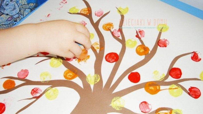 Jesienne drzewa – stempelkowa zabawa