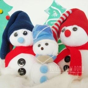 bałwanki ze skarpetek - kreatywna zabawka dla dzieci DIY