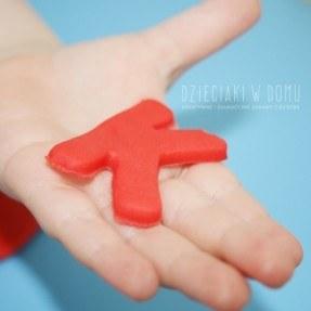 Literki z ciastoliny - zabawa dla dzieci
