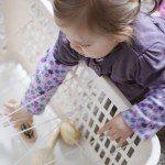 Kosz pełen skarbów – labirynt dla małych rączek
