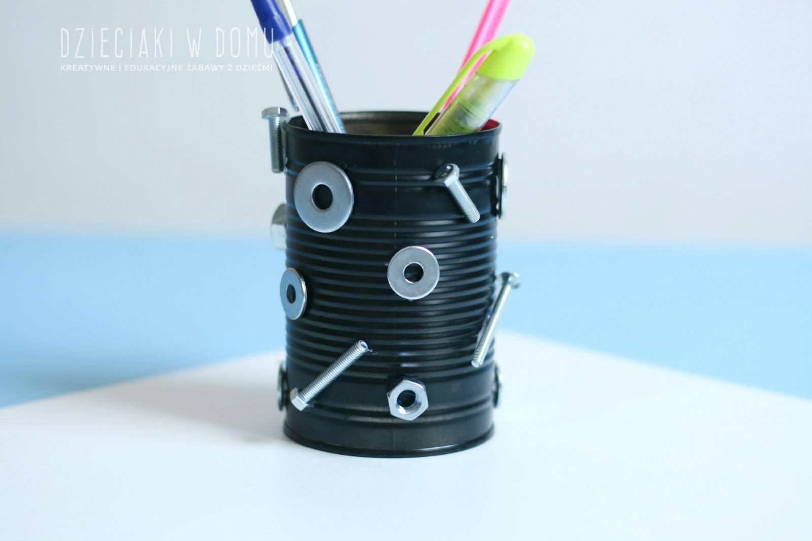 przybornik na biurko z puszki - kreatywny prezent dla taty