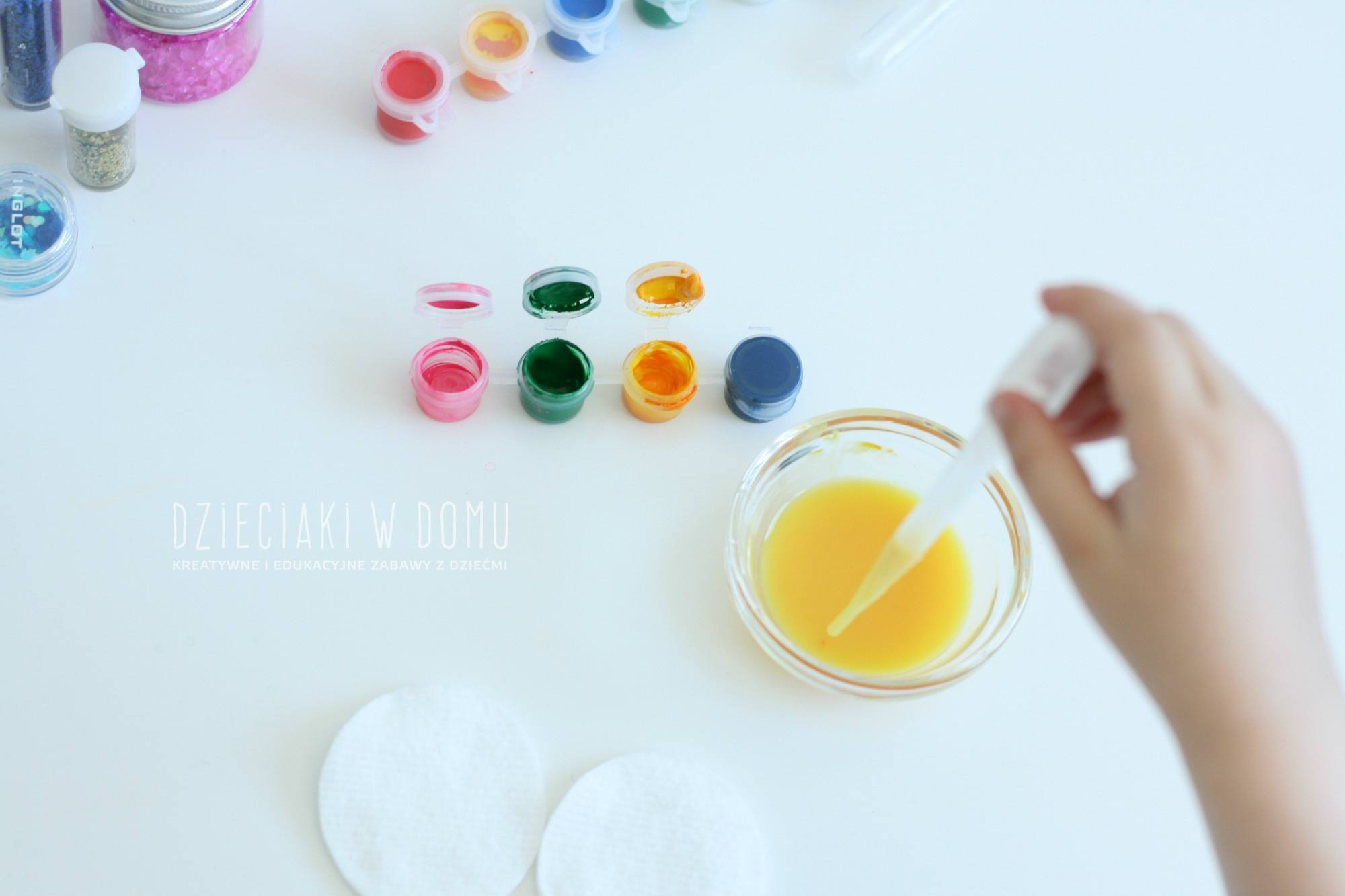 lody z płatków kosmetycznych - praca plastyczna dla dzieci