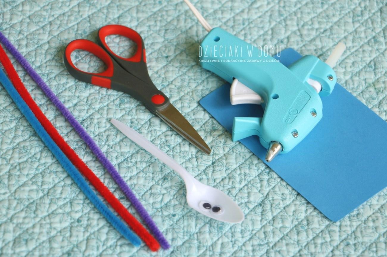 węże z kreatywnych drucików - kreatywna praca dla dzieci