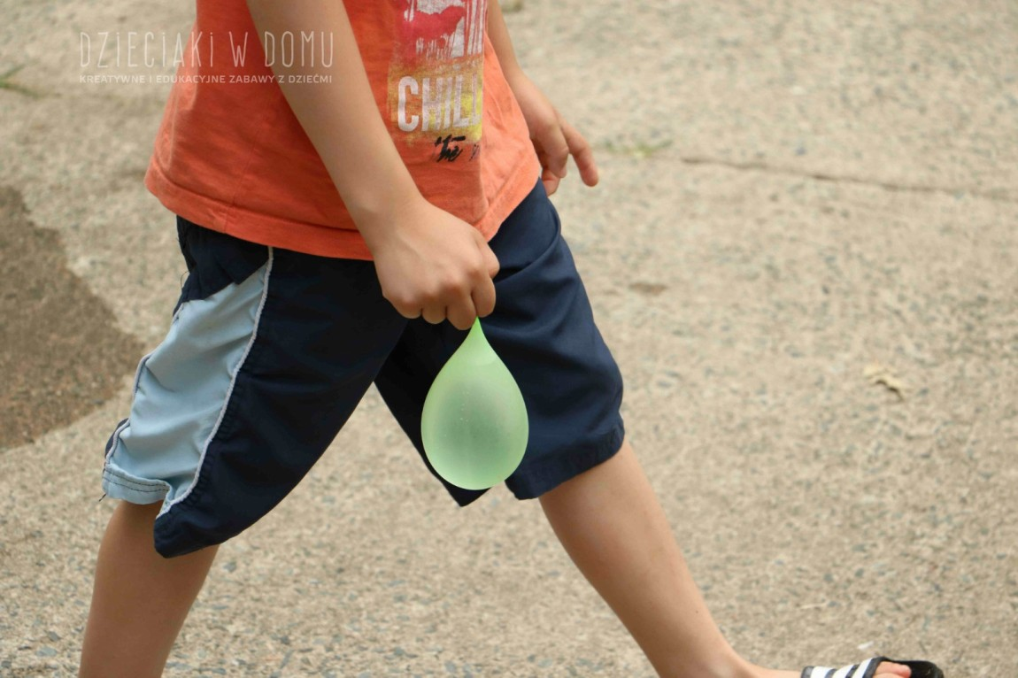 Balony na wodę – 3 pomysły na podwórkową zabawę