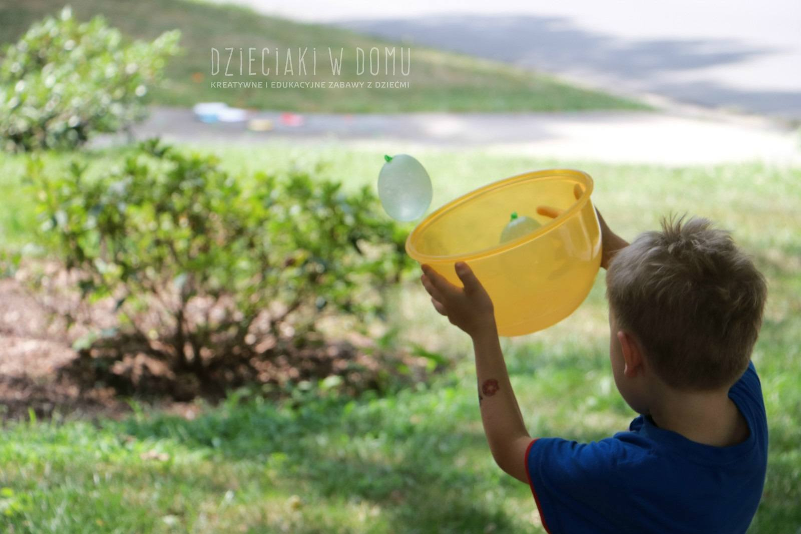 zabawy wodnymi balonami