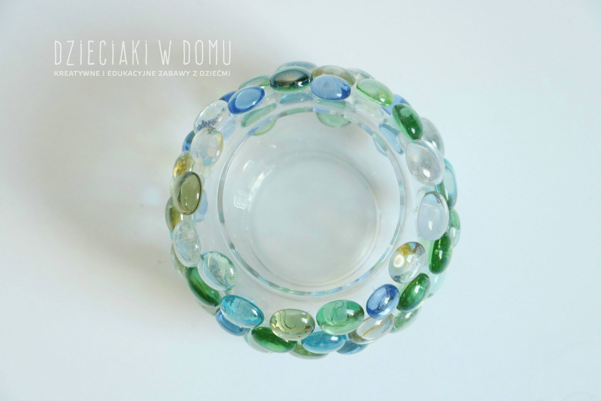 Lampion z dekoracyjnych kamieni - prosty sposób na prezent DIY