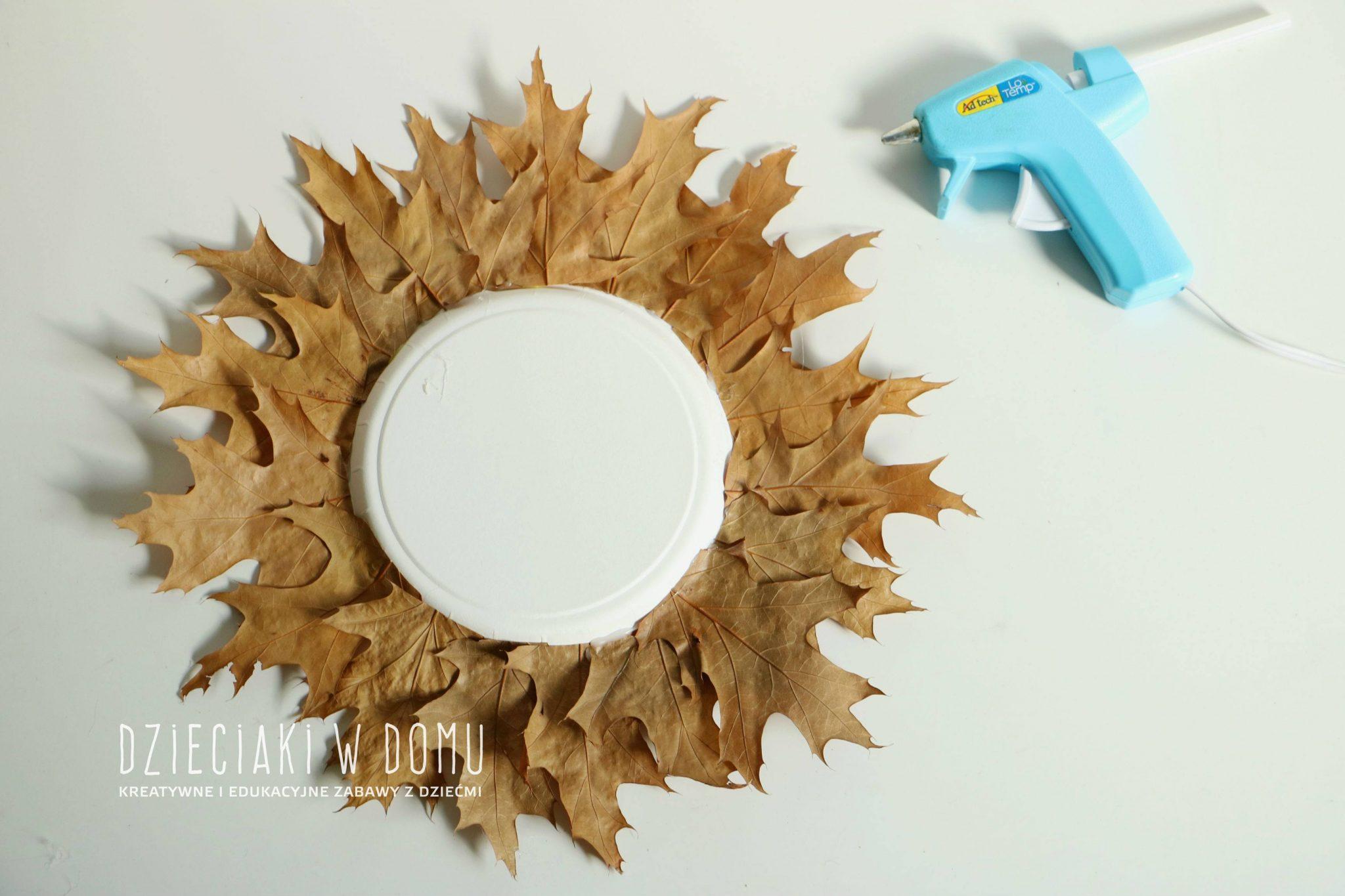 lew z jesiennych liści i papierowego talerzyka - praca techniczna dla dzieci