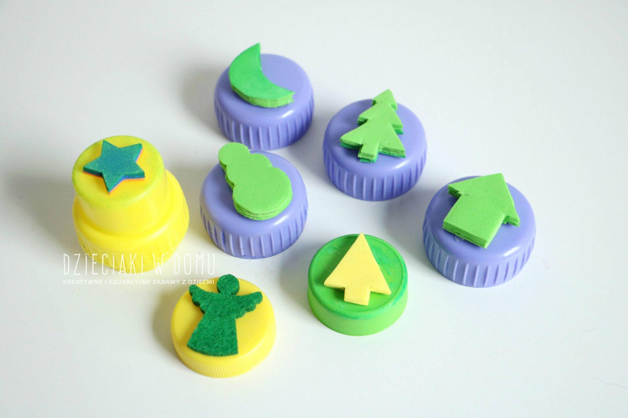 Stempeki dla dzieci zrobione z nakrętek domowym sposobem DIY - zestaw świąteczny