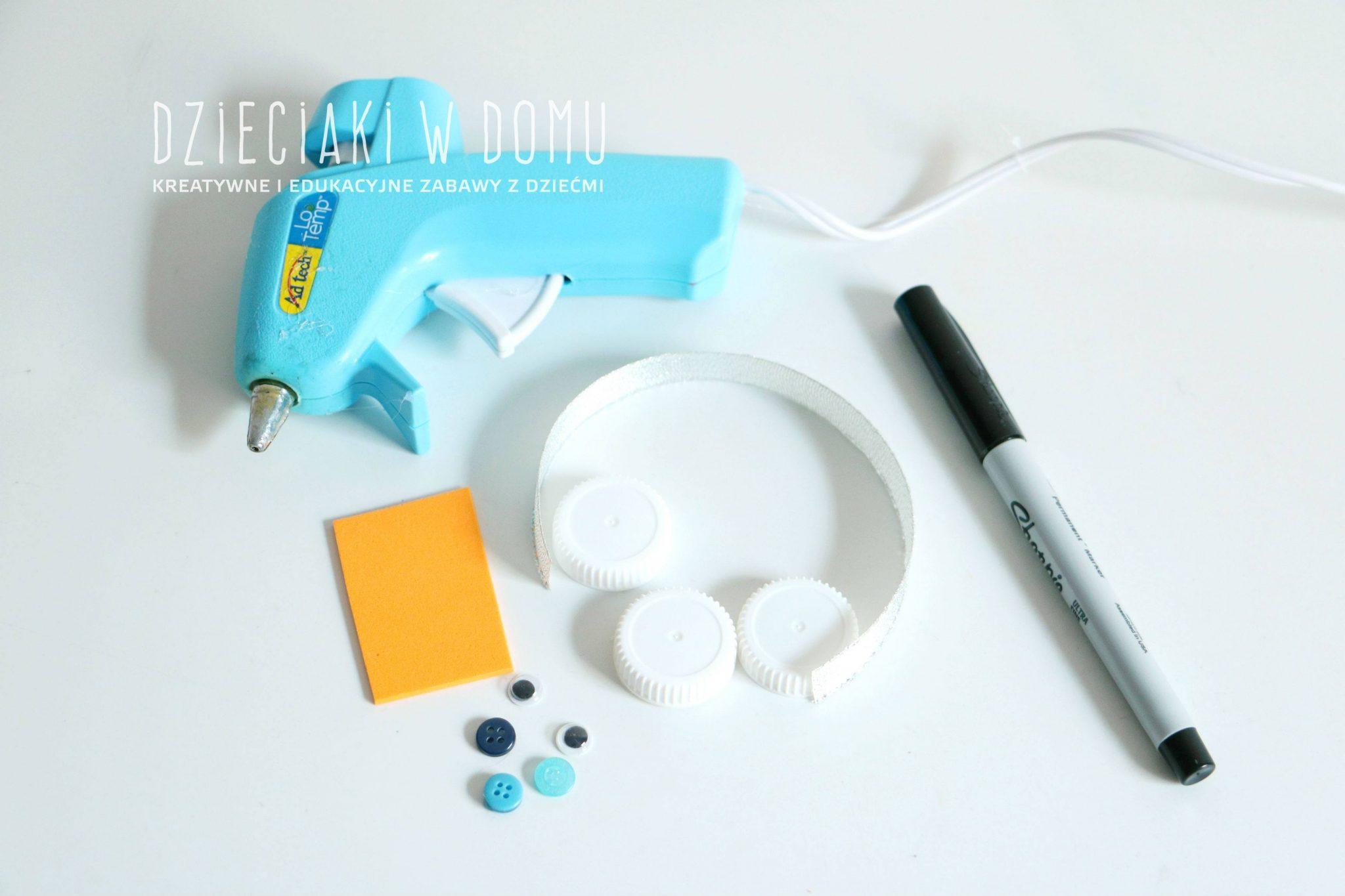 bałwanek z nekrętek - ozdoba choinkowa DIY