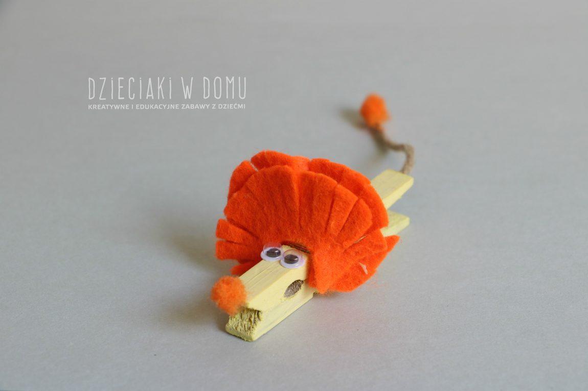 Lew z drewnianej klamerki