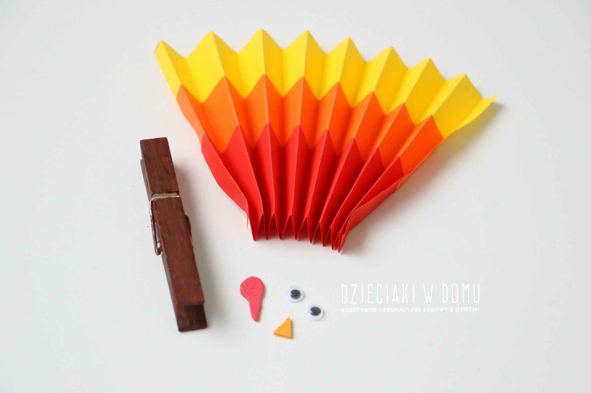 indyk-z-drewnianej-klamerki-1