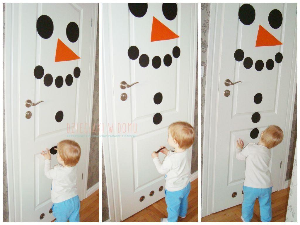 bałwanek na drzwiach - zimowa dekoracja