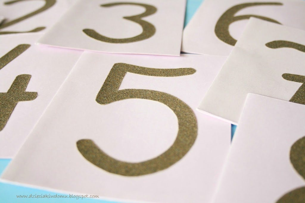Szorstkie cyferki - nauka liczb inspirowana metodą Montessori