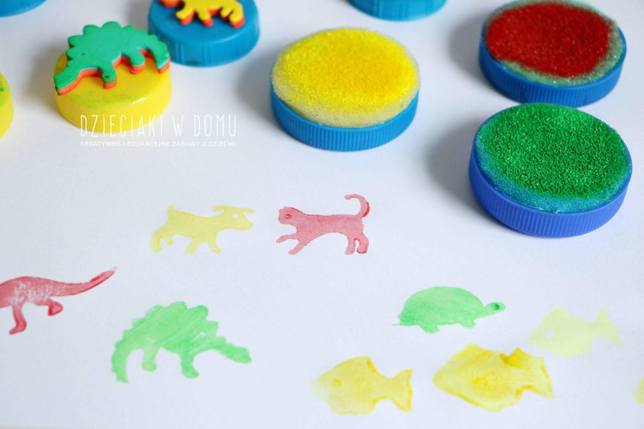 Stempeki dla dzieci zrobione z nakrętek domowym sposobem DIY - zestaw świąteczny - zwierzątka