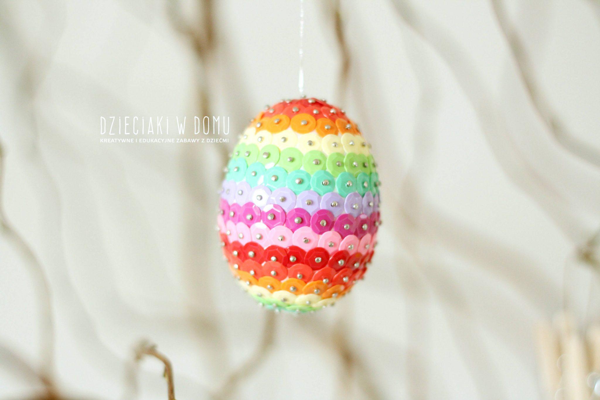 pomysł na wielkanocne dekoracje ze styropianowych jaj