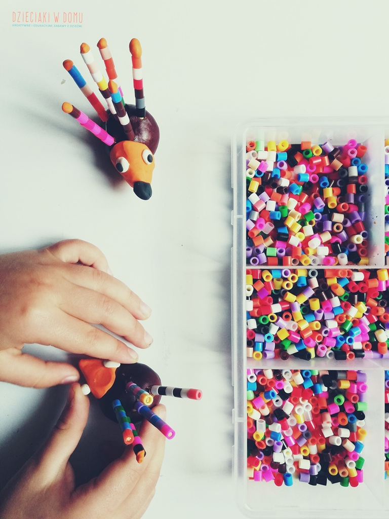 4 pomysły na zabawy z kasztanami dla przedszkolaków